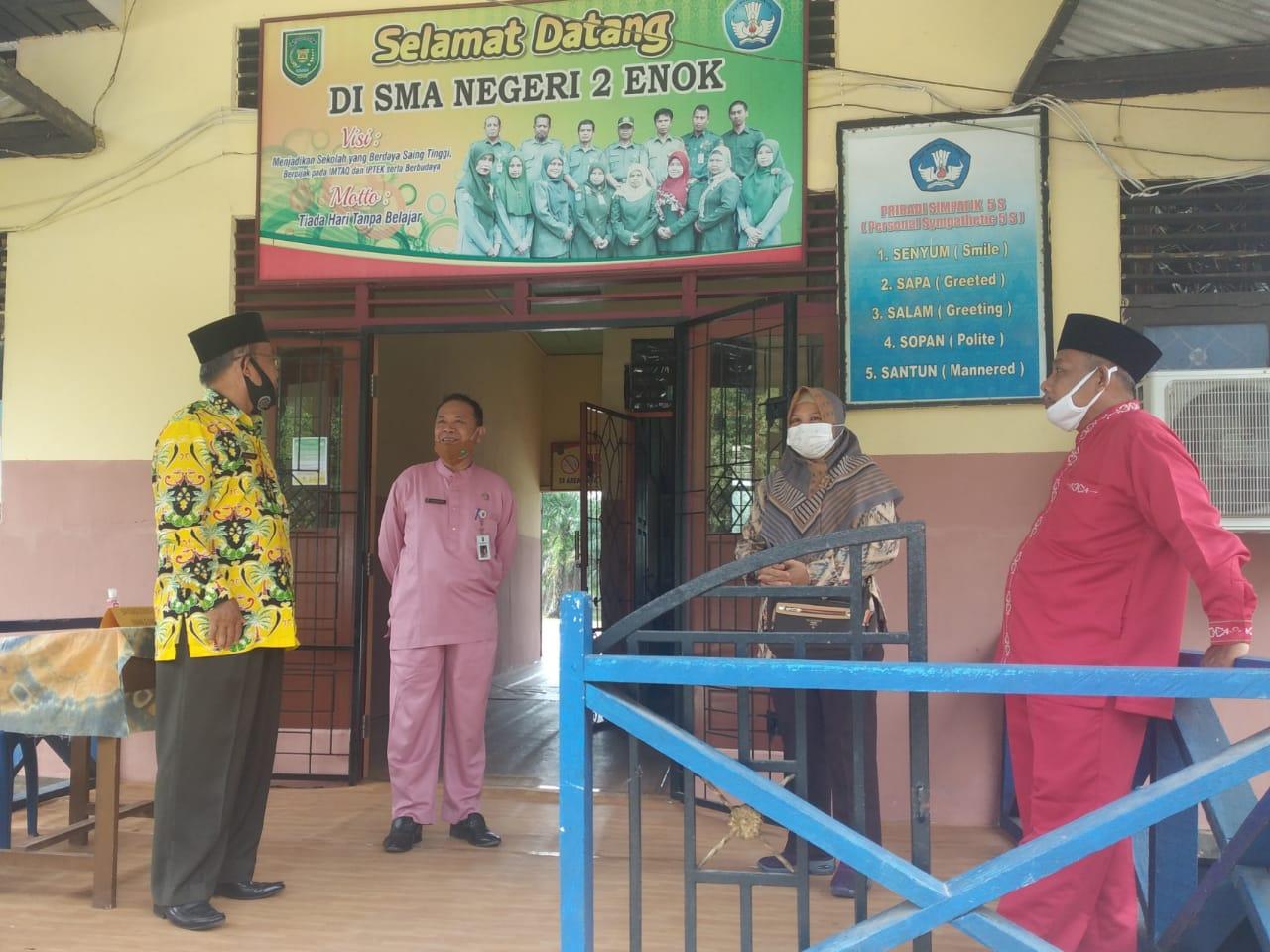 Kunjungi Perpustakaan Sri Gemilang SMAN 2 Enok, Kepala DPAD Inhil Minta Sekolah Kelola Perpustakaan Dengan Baik
