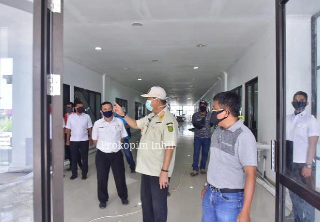 Wakil Bupati H.Syamsuddin Uti Meninjau  Proses Pengerjaan Gedung Islamic Center